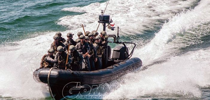 La Marina Militare sbarca a Milano con un super-gommone